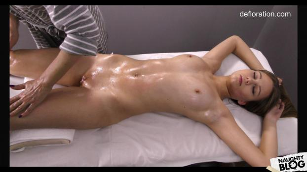 Defloration – Jennifer Lorentz – Virgin Massage